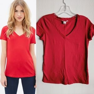 F21 Bright Candy Apple Red V-neck Tee-Shirt S